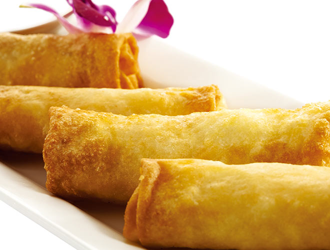 <b>Vietnamese Spring Rolls</b><br/>Crunchy deep fried spring rolls filled with pork, shrimps, rice noodles, carrots and pine nuts, served with oyster-vinaigrette and sweet chili-sauce