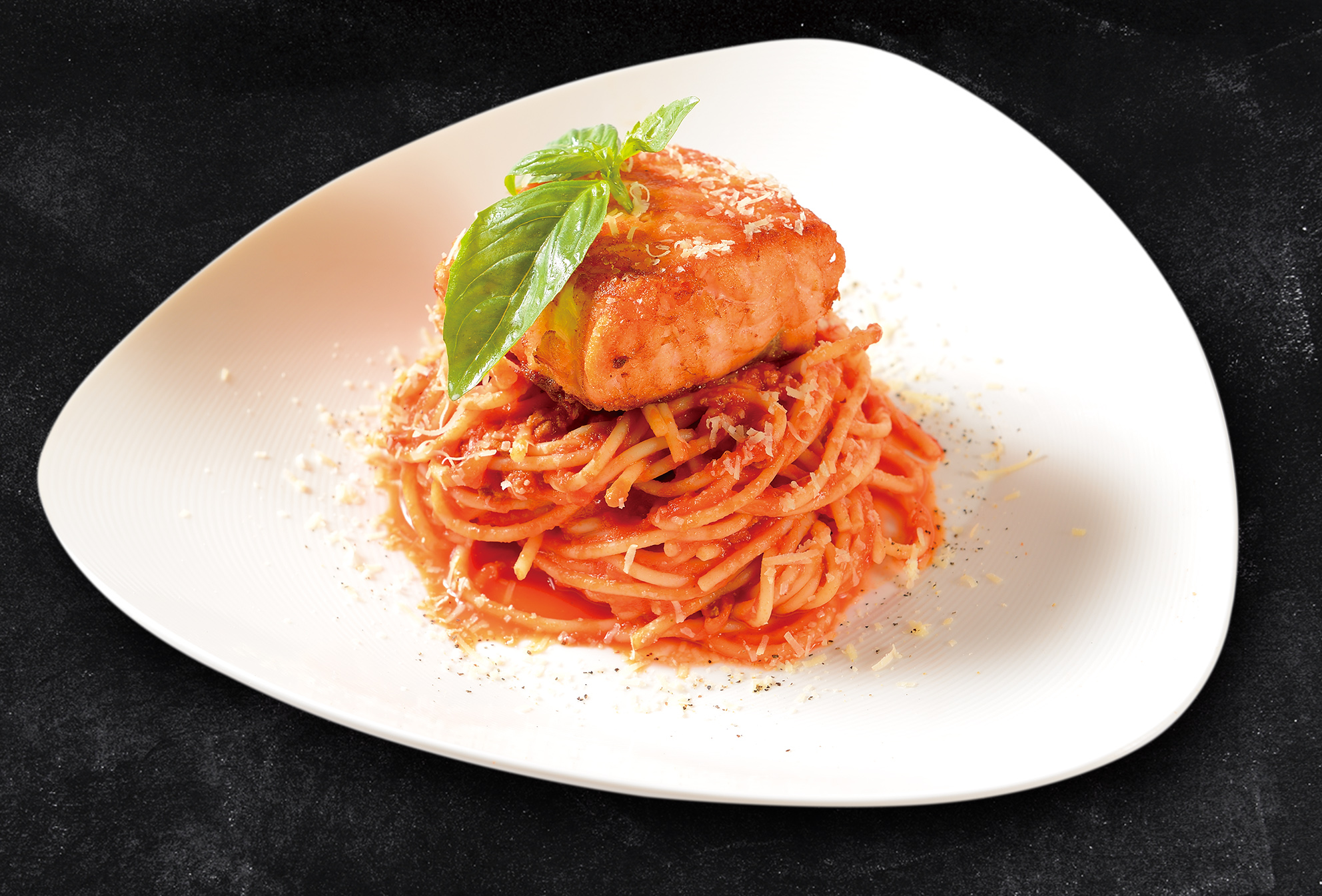 <b>Grilled Salmon Pasta with Creamy Tomato Sauce</b><br/>