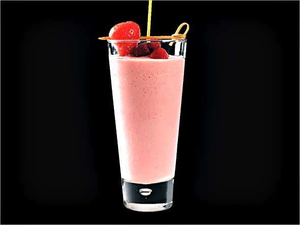 <b>Gold Medal Smoothie</b><br/>Pinacolada Mix, Strawberry Pureed, Bananan, Strawberry